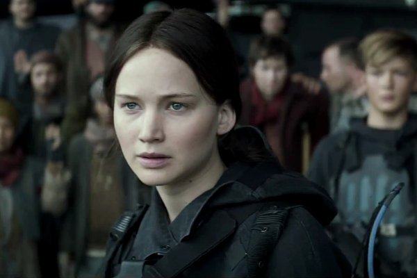 wpid-jennifer-lawrence-leads-the-revolution-in-the-hunger-games-mockingjay-part-2