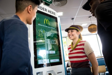 mcdonalds-table-service-2016_-37-1